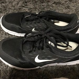 Basic black nike running shoes!